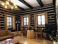 Obývací pokoj - chalupa k pronajmutí Stupná
