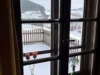 Výhled z okna - chalupa k pronajmutí Stupná