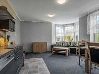 Kuchyň v patře - 2 přistýlky - apartmán ubytování Malá Skála