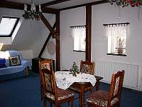 Největší pokoj č. 4, cca 70 m2. - Skuhrov