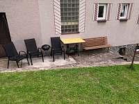 Venkovní posezení - apartmán k pronajmutí Radostná pod Kozákovem - Kozákov