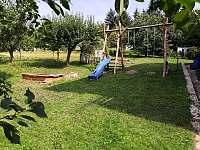 Zahrada - apartmán ubytování Radostná pod Kozákovem - Kozákov
