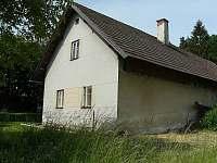 Pohled z polí - chalupa ubytování Podůlší