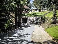 Naše zahrada - vila k pronájmu Branžež