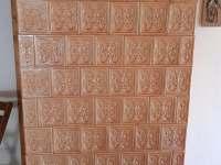 Kachlová kamna v obývacím pokoji - Zásada u Sychrova
