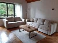 Obývací část v přízemí - chata k pronajmutí Zásada u Sychrova