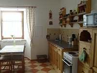 Kuchyň - chalupa k pronajmutí Jinolice