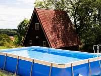 bazén v areálu PRACHOVEC - chatky k pronájmu Dřevěnice u Jičína