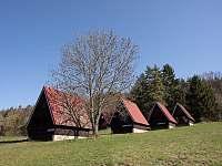 Chatový areál PRACHOVEC Dřevěnice - ubytování Dřevěnice u Jičína