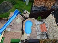 Malý bazén a skluzavka - rekreační dům ubytování Koberovy - Zbirohy