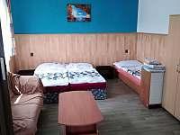 pokoj č.2 lůžka lze rozdělit podle přání klienta - pronájem apartmánu Příšovice