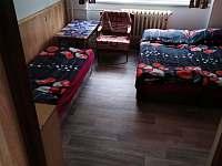 pokoj č.3 má samostatný přístup z chodby - apartmán k pronájmu Příšovice