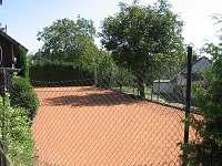 tenisový kurt - pronájem chalupy Leština