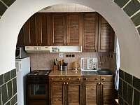 Kuchyň - chalupa k pronajmutí Krčkovice