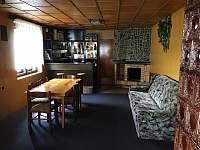 Obývací pokoj - chalupa k pronajmutí Krčkovice