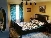 Hlavní ložnice - apartmán k pronajmutí Soběslavice
