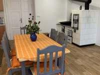 Jídelní stůl chalupa - apartmán k pronájmu Karlovice - Roudný