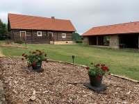 Zahrada - apartmán k pronájmu Karlovice - Roudný