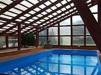 Ubytování U křížku / krytý bazén - chalupa k pronajmutí Hrachovice