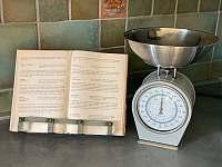 Ubytování U křížku / vybavení kuchyně - pronájem chalupy Hrachovice