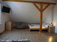 Pokoj v 1.patře - Loučky