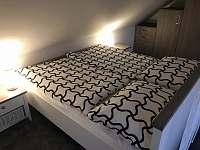 Apartmány U Lípy ložnice 1, podkrovní apartmán - Tatobity