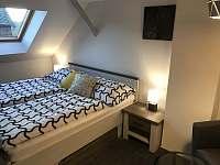 Apartmány U Lípy ložnice 2, podkrovní apartmán - Tatobity