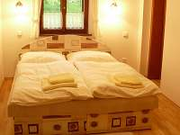 ložnice apartmánu A - k pronájmu Mírová pod Kozákovem