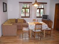obývací pokoj apartmánu A - ubytování Mírová pod Kozákovem