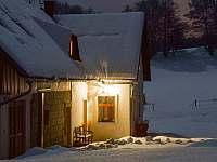 chalupa v zimě - k pronajmutí Ktová