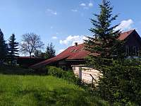 Zahrada nad chalupou - apartmán k pronájmu Komárov