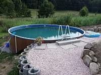 Bazén - chalupa k pronájmu Hrubá Skála