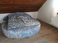 Ložnice v patře - Hrubá Skála