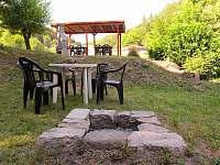 Pergola, posezení a ohniště - Železný Brod