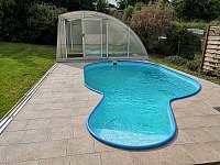 Bazén 5x3 m se zastřešením - chalupa ubytování Turnov - Pelešany