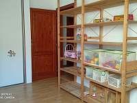 pokoj 2 - herna pro děti - pronájem chalupy Turnov - Pelešany