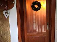 vánoční výzdoba u vchodu do domu - Turnov - Pelešany