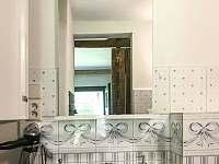 Koupelna - chalupa k pronájmu Skalany