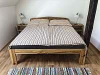 Malá ložnice manželská postel - Skalany