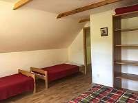Velká ložnice samostatné postele - Skalany