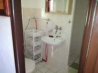 WC se sprchou - pronájem apartmánu Hrubá Skála - Doubravice