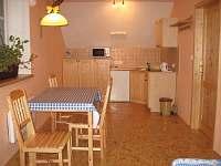 Pokoj 2, kuchyňský kout