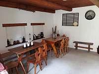 Venkovní odpočinková místnost - chalupa k pronajmutí Stéblovice