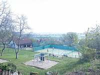 Dětské hřiště v sousedství - pronájem rekreačního domu Brada - Rybníček