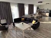 Apartmán 4 obývák