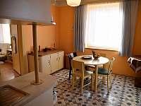 Kuchyň - apartmán k pronajmutí Turnov