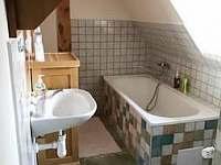 koupelna 2 - pronájem chaty Pelešany