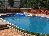 bazén - chalupa ubytování Drahotice