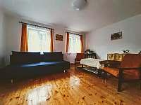 Obývací pokoj - pronájem chalupy Dolánky u Turnova - Vazovec