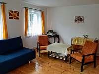 Obývací pokoj - chalupa k pronajmutí Dolánky u Turnova - Vazovec